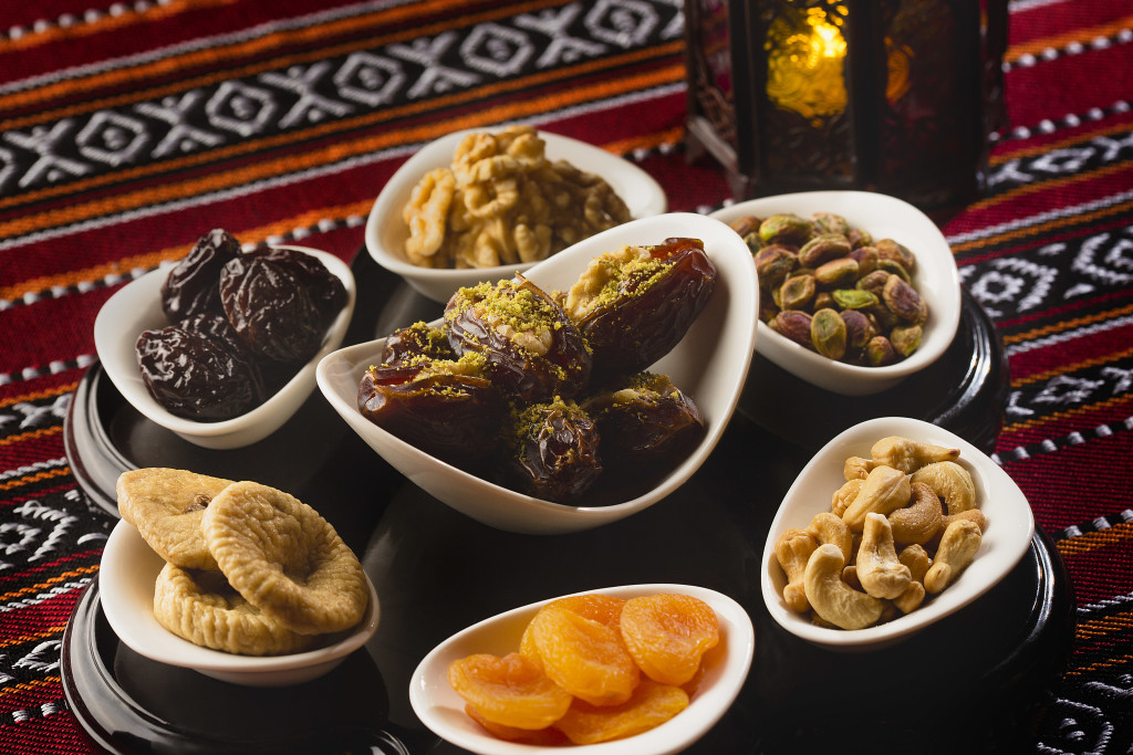 Dates and dried fruits1